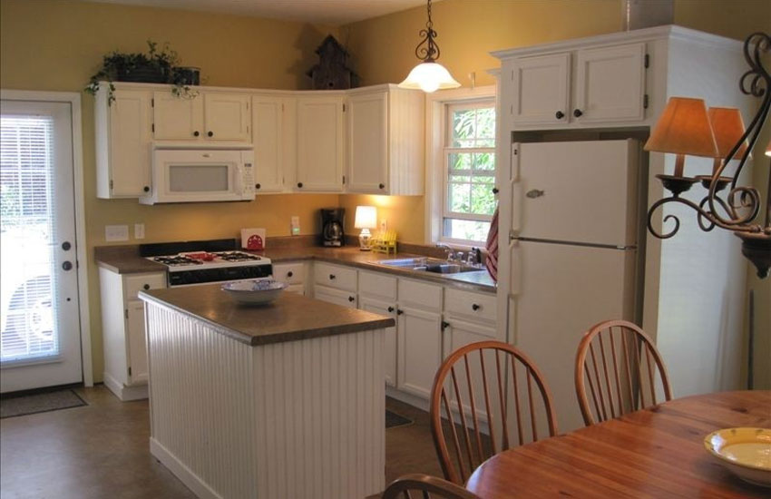 pentwater michigan rental kitchen
